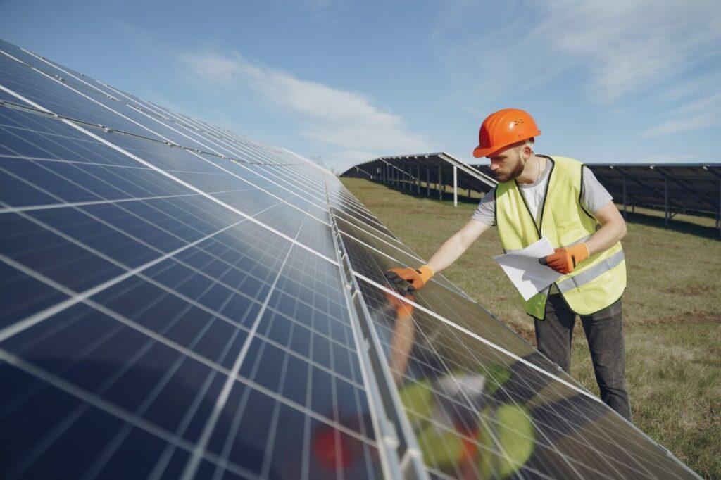 %Solar-Photovoltaikanlagen mit Stromspeichern - %München-Augsburg
